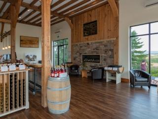 Planters Ridge Winery tasting room